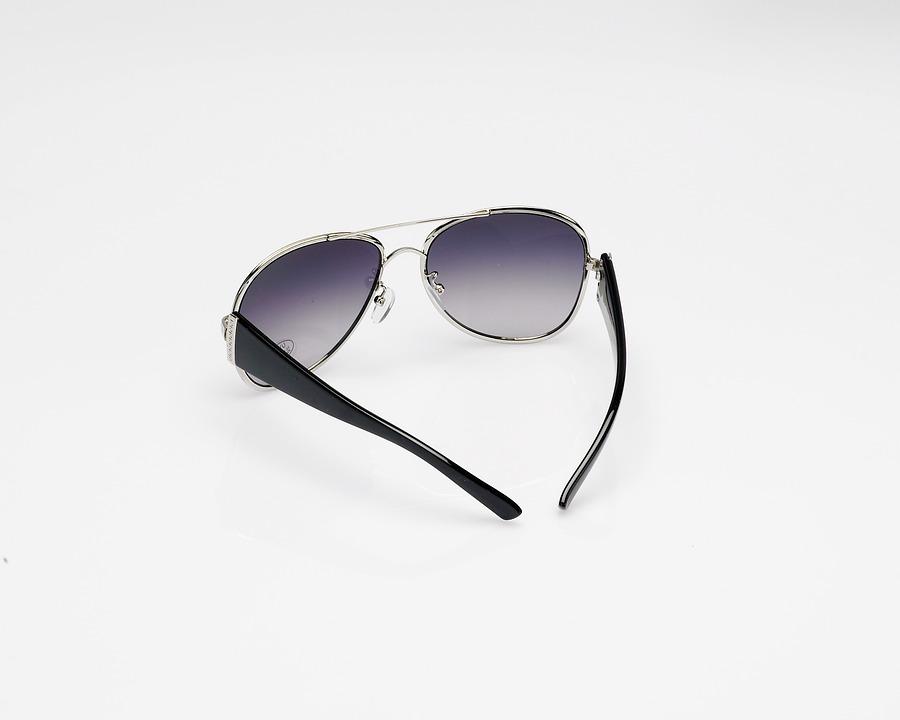 Grunnen til at jeg holder meg til billige solbriller…