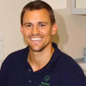 TANNLEGEN: Espen Søyland jobber mye med kosmetisk tannbehandling på Søyland Tannklinikk i Oslo Sentrum.