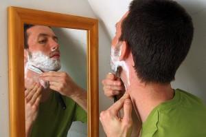 Det å være forsiktig med barbering er alfa & omega for en god hud rundt munnen. Foto credit: Andrew Dyer