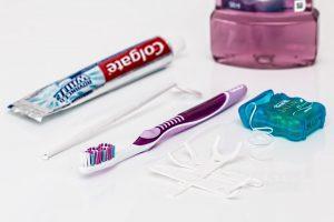 Det kan være vanskelig å velge tannbørste.